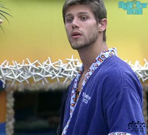 Jonas não quer mais saber de Renata: 'Muito bobalhona' (TV Globo/BBB)