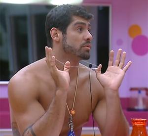 Yuri para Jonas: 'Lava essa boca para falar da Laisa' (BBB/ TV Globo)