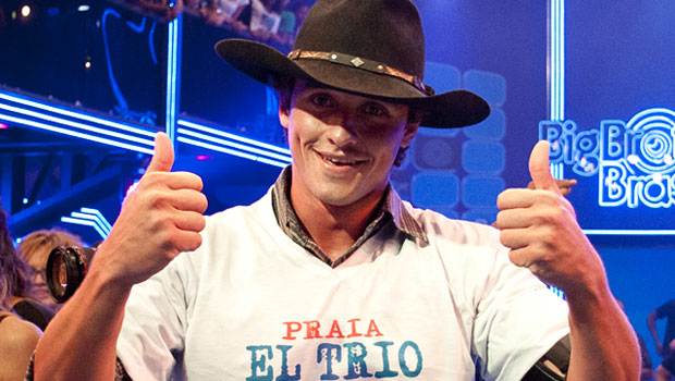 Com 92% dos votos, Fael é o vencedor do BBB12 e fatura R$ 1,5 milhão