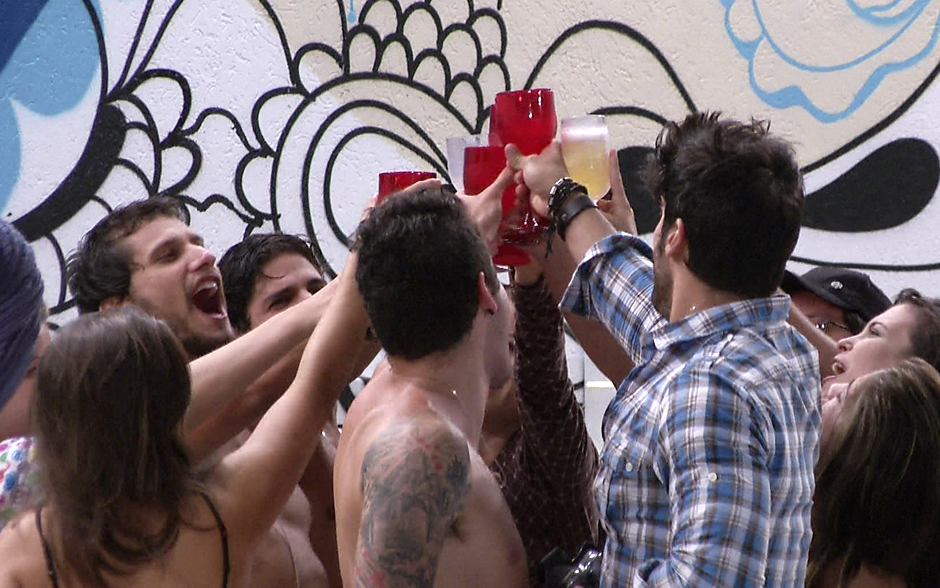 Brothers brindam a terça-feira de Carnaval no BBB13