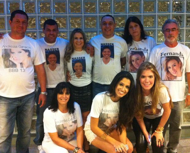 As famílias de Andressa, Fernanda e Nasser estão reunidos na grande final (Foto: BBB/TV Globo)