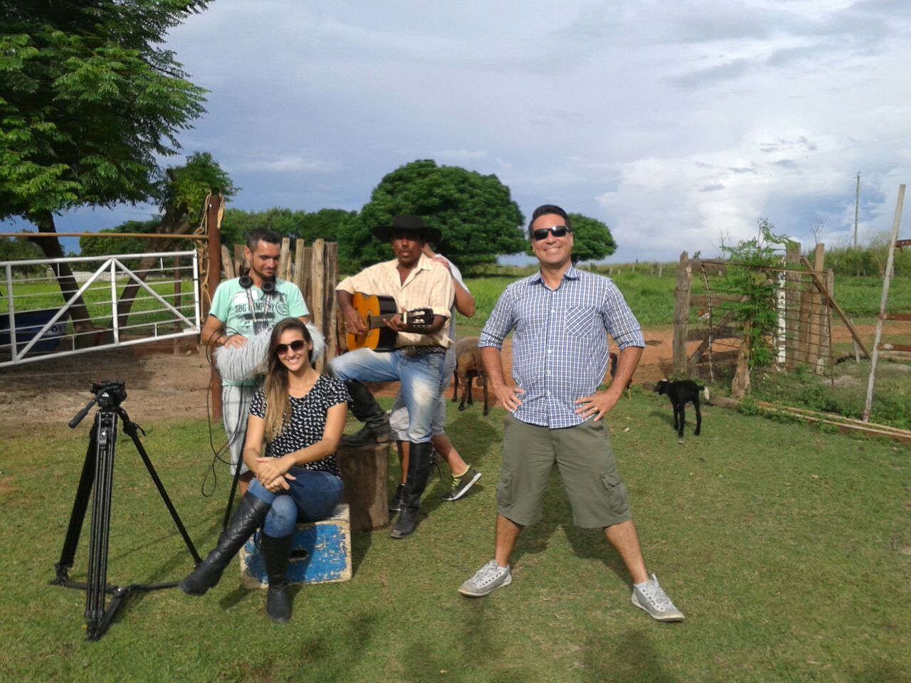 Equipe do Tô Indo se divertiu nas gravações em Fronteira