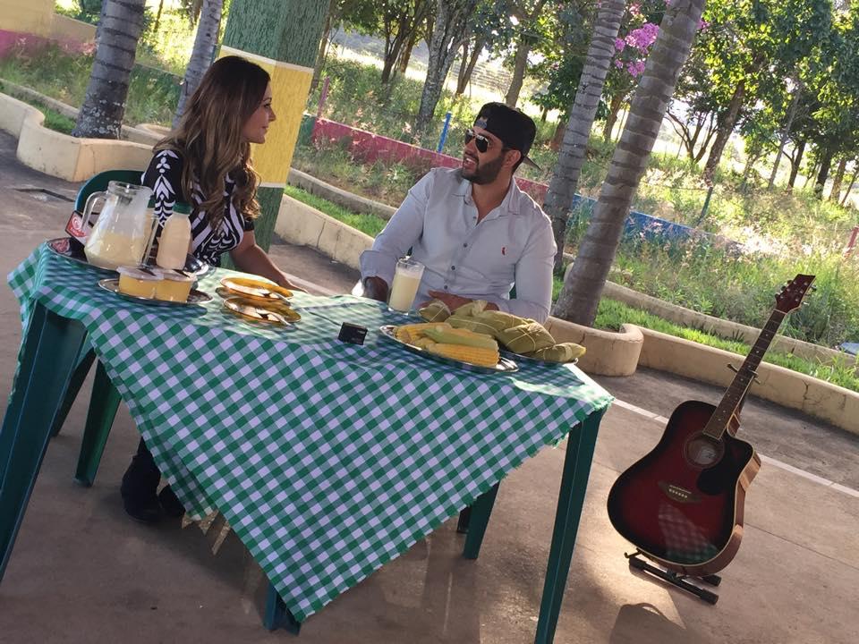 Cecília Ribeiro com Gusttavo Lima em Patos de Minas, Minas Gerais