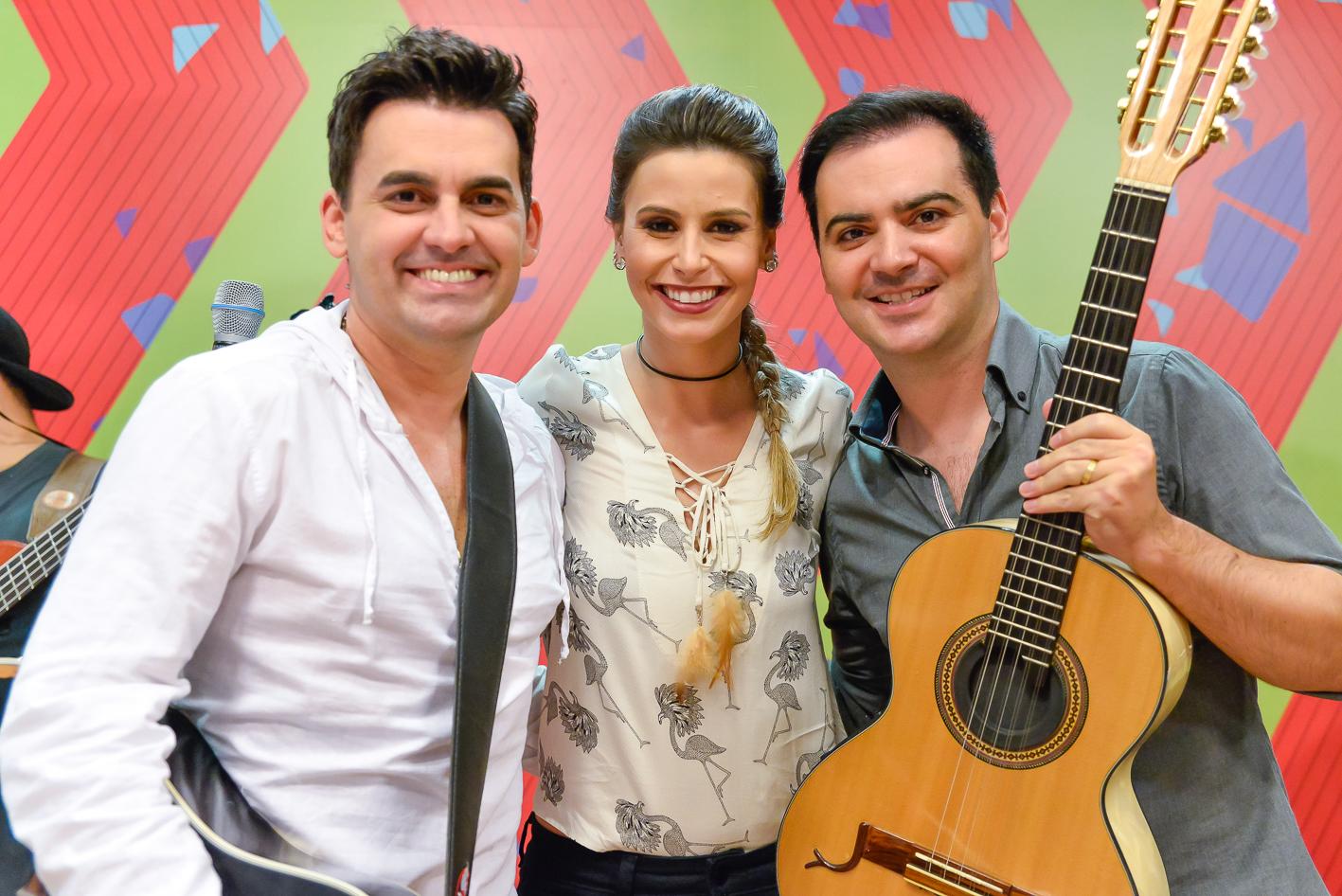 O sábado, foi bem animado com a dupla Álvaro e Daniel, no Estúdio C