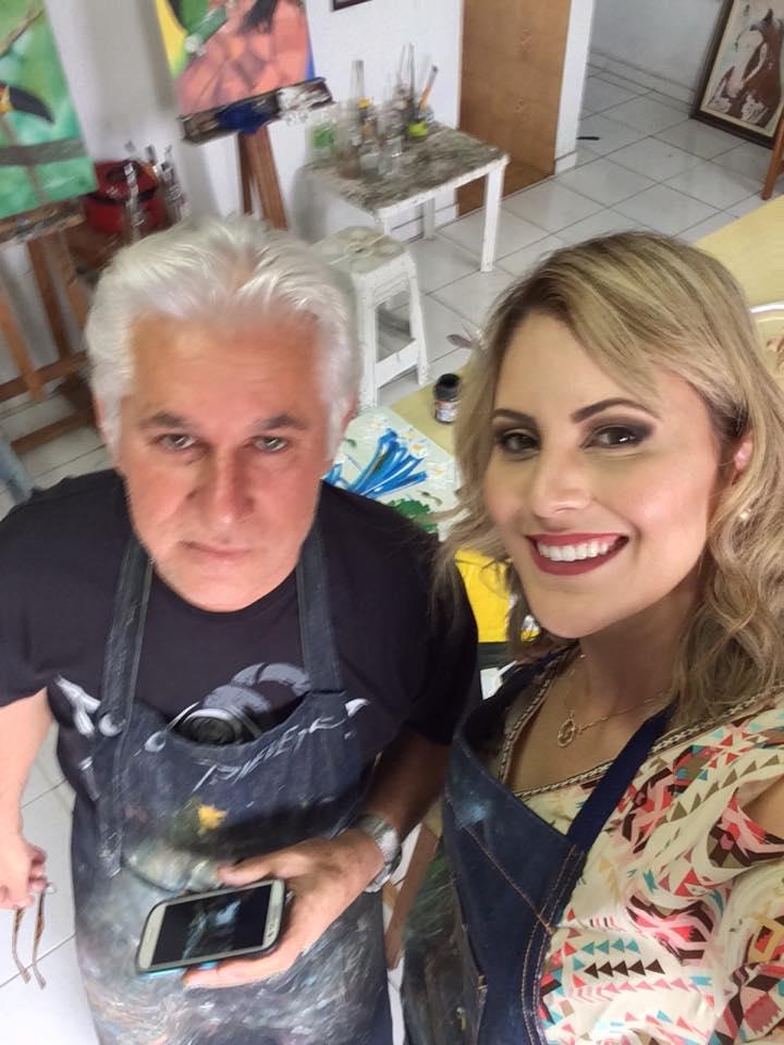 Jessica faz aula de pintura com artista plástico Pedro Neves
