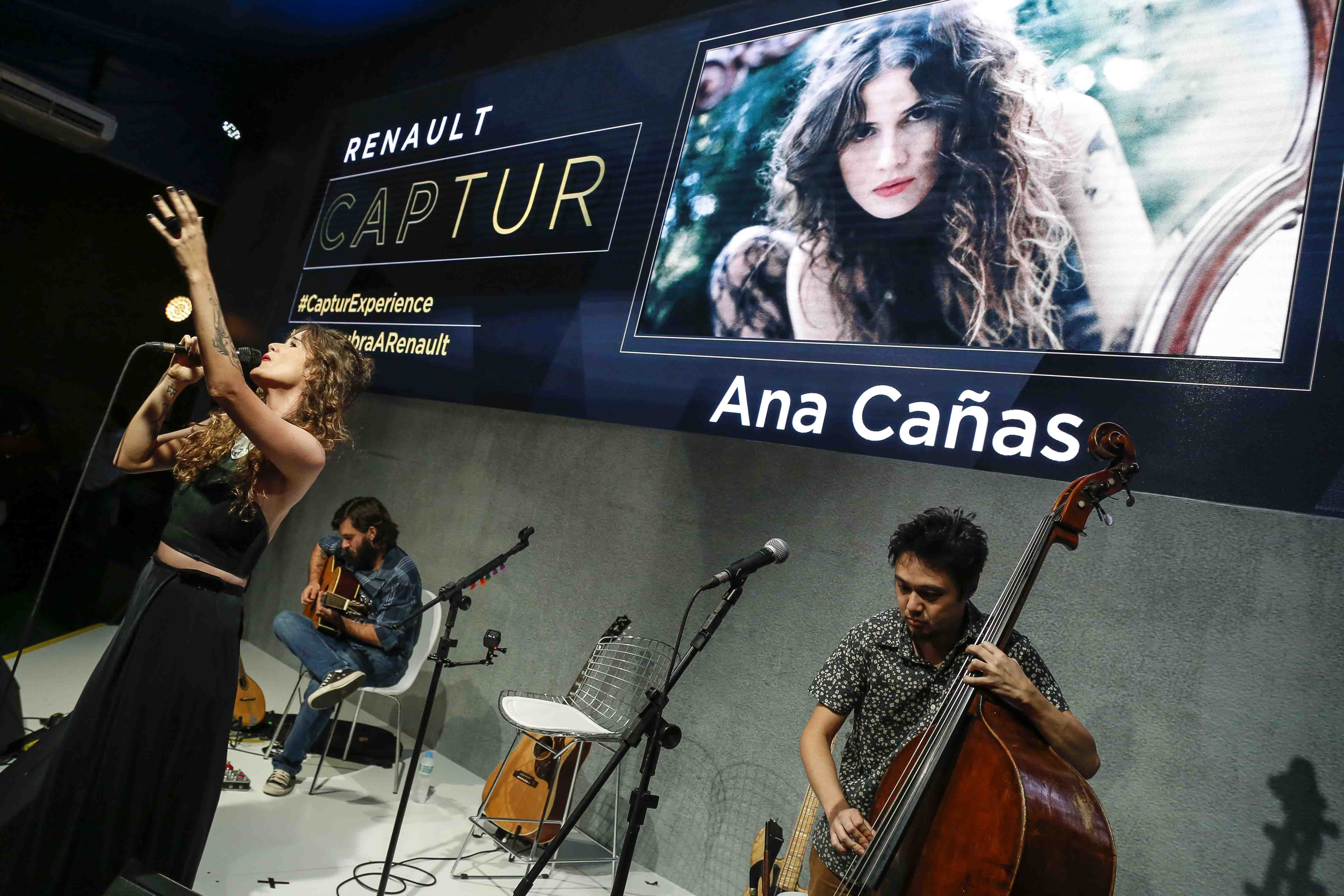 Ana Cañas arrasou em show na Renault Captur Experience