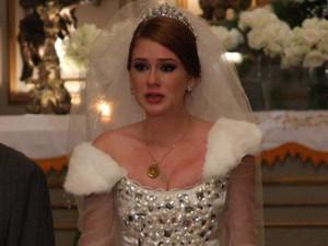 Alice fica arrasada ao descobrir a verdade sobre o noivo