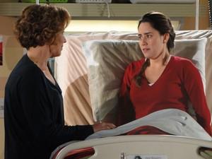 Ana fica assustada com revelação de Eva (Foto: A Vida da Gente - Tv Globo)