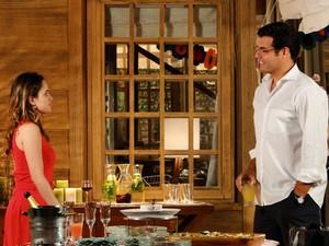 Lúcio não economiza elogias para Ana (Foto: A Vida da Gente - Tv Globo)