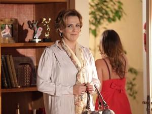 """Eva comemora o """"sucesso"""" do seu plano (Foto: A Vida da Gente / TV Globo)"""