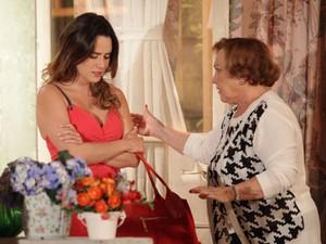 Ana vai a casa de Iná tentar se reconciliar com Manu (Foto: A Vida da Gente - Tv Globo)