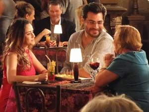 Encantado, Lúcio diz que baile é um excelente tratamento (Foto: A Vida da Gente/TV Globo)