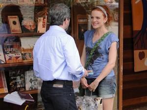 Nanda diz que Celina está grávida (Foto: A Vida da Gente/TV Globo)