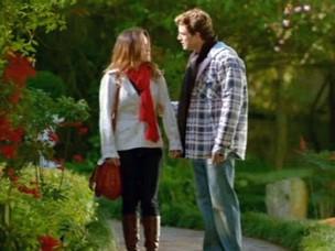 Ana é ríspida com Rodrigo e os dois ficam brigados (Foto: A Vida da Gente - Tv Globo)