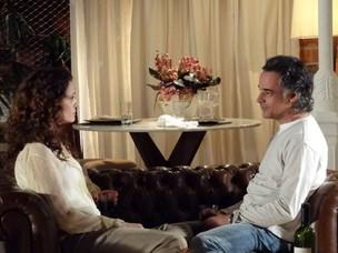 Dora e Marcos estão cada vez mais próximos (Foto: A Vida da Gente / TV Globo)