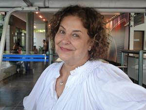 Cláudia Mello