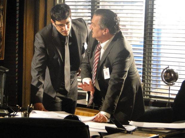 Saulo mostra projeto de Mauro a Fred