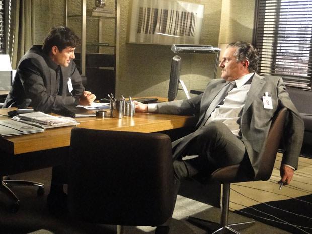 Saulo vê que tem um aliado para acabar com Mauro e se mostra pronto para agir ao lado de Fred