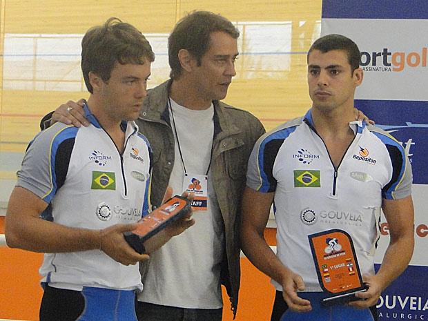 Gerson avisa ao sobrinhos que eles passarão por exame antidoping