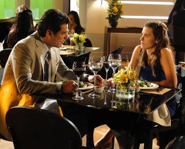 Diana diz a Mauro que vai pedir o divórcio