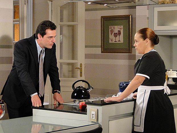 Olga desabafa com Mauro