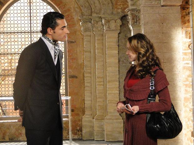 Clara passeia com príncipe e nem imagina que está prestes a cair em armadilha