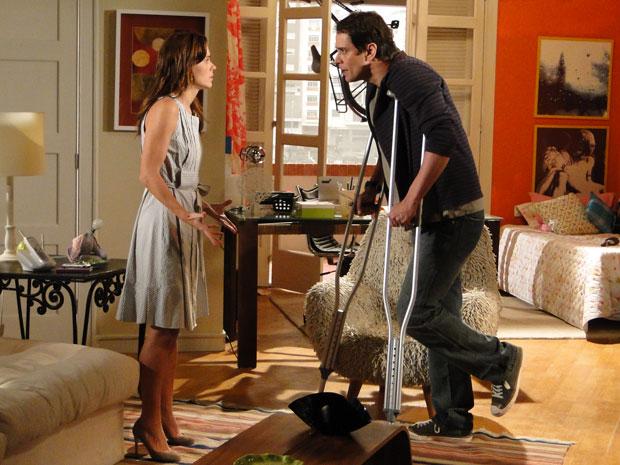 Gerson se recusa se separar de Diana e o casal não para de discutir
