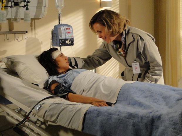 Bruna promete cuida de Marcela e do seu bebê