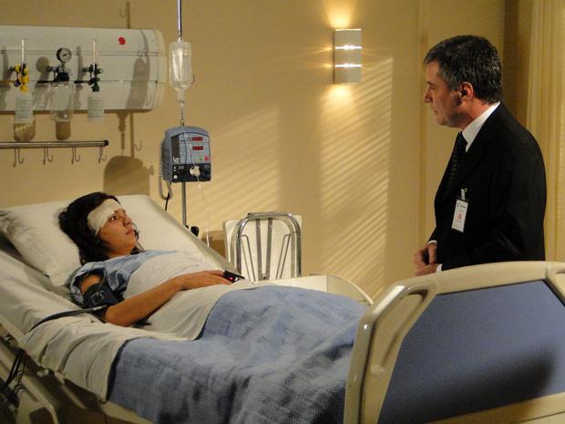 Gustavo faz uma proposta à Marcela