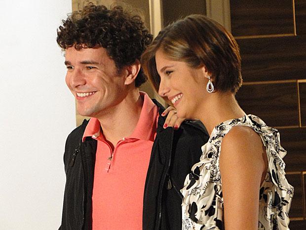 Lorena e Agnello descobrem que são primos