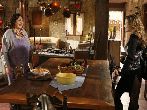 Gemma percebe que Clara vai sair e pede ajuda na cozinha
