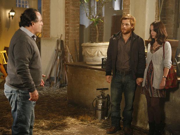 Adamo leva Francesca até o sítio e deixa Totó furioso