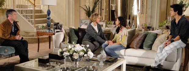 Bruna concorda em hospedar Julinho na mansão