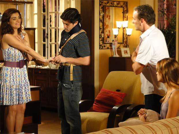 Armandinho dá anel de noivado_620