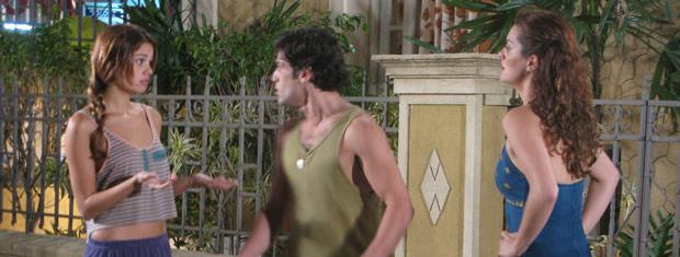 Armandinho diz que caiu em uma armadilha de Stéfany, mas Desirée não acredita