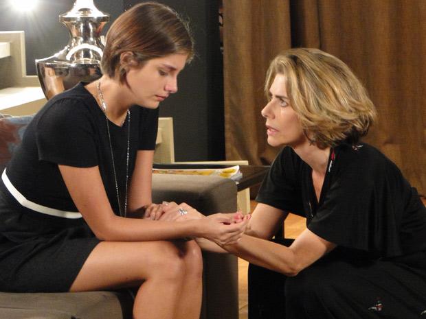 Stela diz a filha que o italiano não era confiável