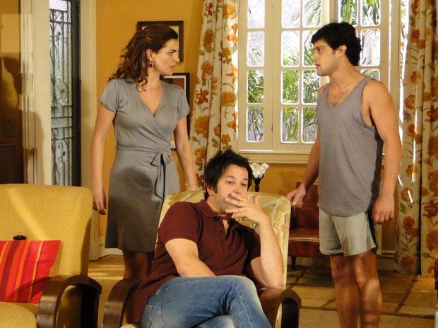 Armandinho proíbe Desirée de ir à festa, mas ela o enfrenta