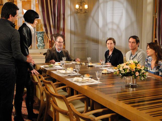 Família Gouveia vibra com o casamento de Mauro e Melina, mas Diana está arrasada