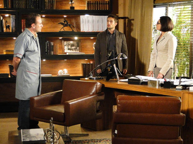 Gino conta a verdade para Rebeca