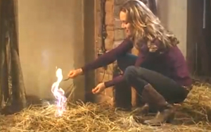 Confira como foi a gravação, com efeitos especiais, do incêndio que Clara provocou (Bastidor Clara)
