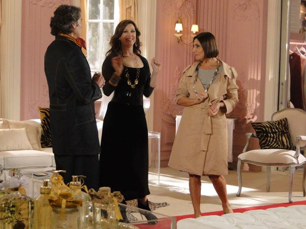 Stela elogia os vestidos de Jacques e avisa que vai sugerir uma matéria sobre ele para Moda Brasil