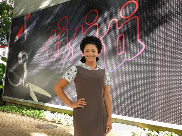 Juliana Alves já caracterizada como Clotilde em seu primeiro dia de gravação