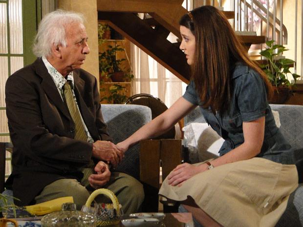 Felícia pede a Fortunato que não conte nada sobre o pai de Fátima