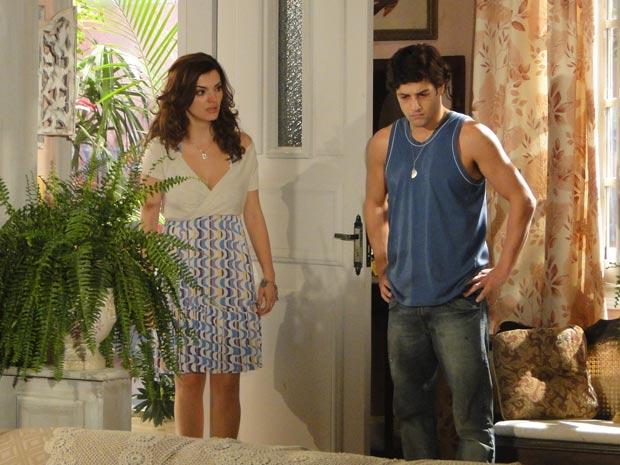 Armandinho termina o noivado com Desirée