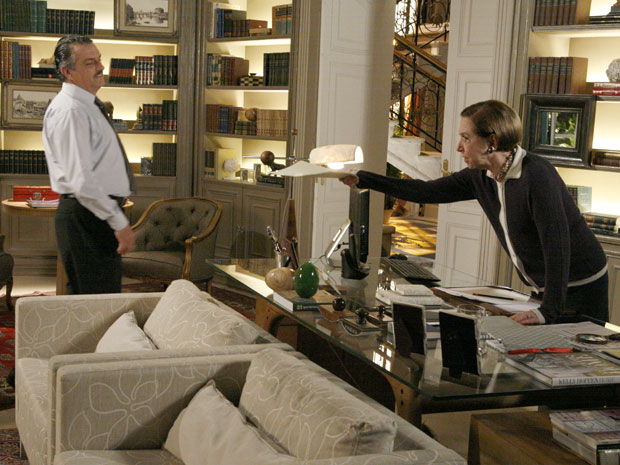 Bete entrega a Saulo provas sobre sabotagem na Skinny Top