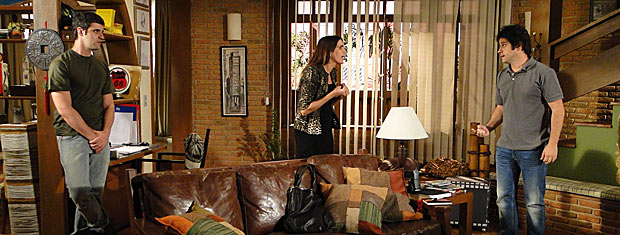 Suzana pede para Ari desistir de Victor Valentim