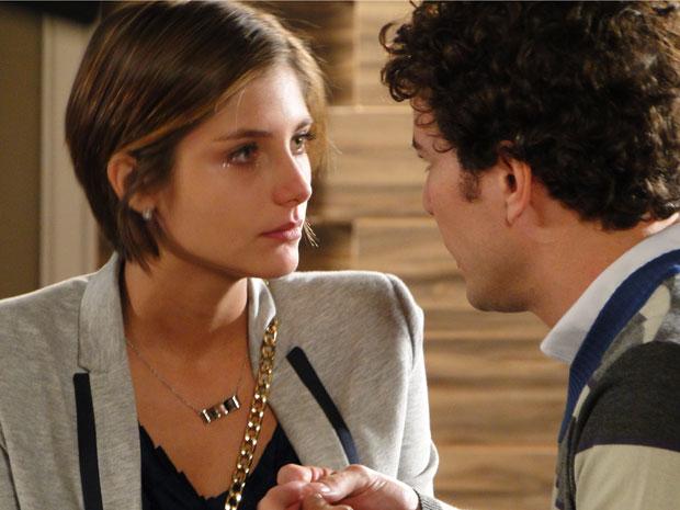 Agnello chama Lorena para morar com ele na Itália