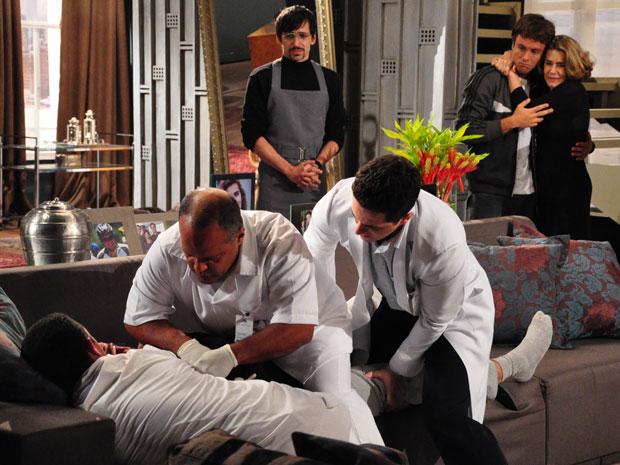 Enfermeiros levam Danilo