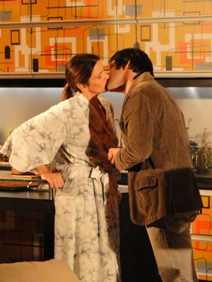 Eles acabam se beijando