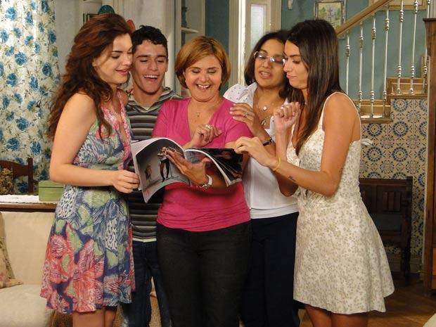 Nicole, Amanda, Ângelo e Marta elogiam as fotos de Desirée